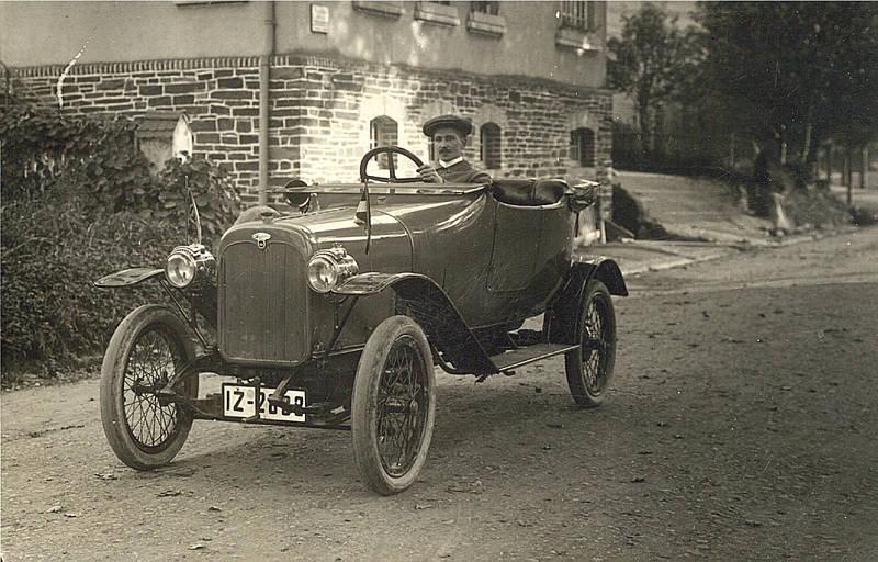 Das wahrscheinlich erste und einzigste Automobil 1915 in Waldbreitbach.