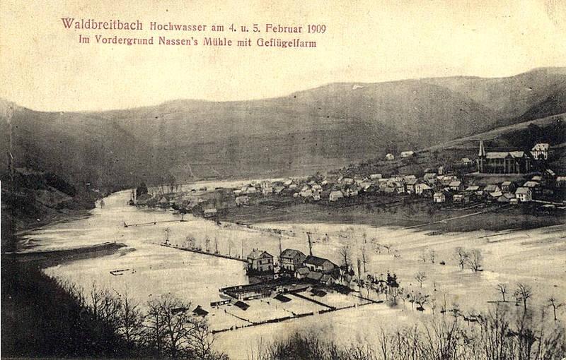 Im Vordergrund Nassen's Mühle mit Geflügelfarm
