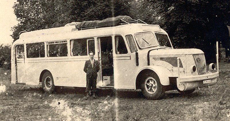 Zöller's 1949 in Köln erworbener Bus VOMAG mit Holzvergaser