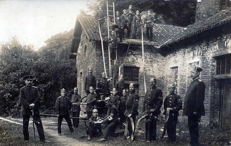 Feuerwehrübung an Grube Katzenschleife um 1910