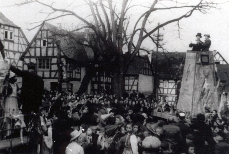 Karneval 1948 - Proklamation ? Johann Becker mit Zylinder