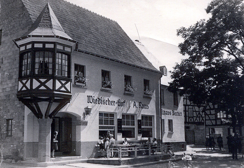 Wiedischer Hof von Anton Rams mit Gasthaus Becker vermutlich in den 1950er Jahren