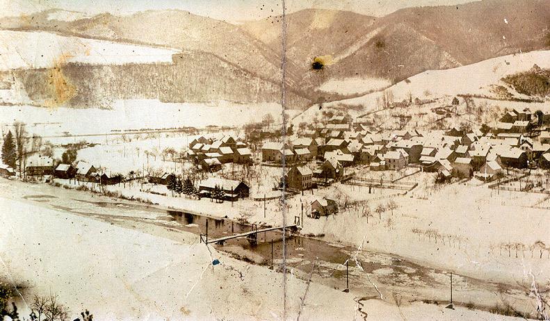 Alte Wiedbrücke im Winter 1929 vor der Zerstörung durch Eisgang
