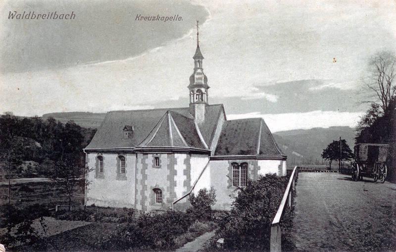Kreuzkapelle mit Landstraße nach Waldbreitbach