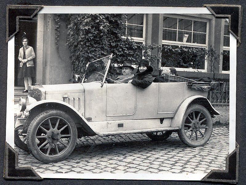 Fahrzeug am Hotel Elisenruh um 1930