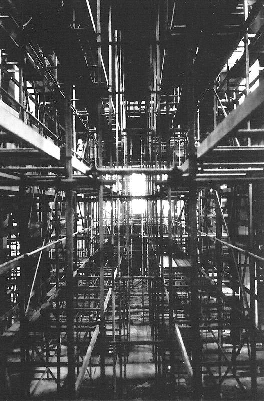 Gerüst im Innenraum während der Renovierung 1977