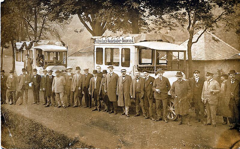Kraftwagen-Gesellschaft Waldbreitbach als Genossenschaftsmodell um 1920 Die Nahverkehrslinie Waldbreitbach über Niederbieber nach Neuwied hielt sich aber nur einige Jahre