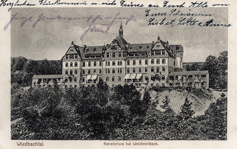 Um 1912 Text auf Rückseite: Liebe Ida, wir sind seit gestern hier und freuen uns der herrlichen Abwechslung und guten Luft....Alles Gute zum heutigen Tage. Heute morgen waren wir in Waldbreitbach und haben auch den Kirchhof besehen. Es ist reizend hier....