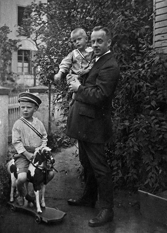 v.l.n.r. Heinz, Karl und Matthias Ditscheid um 1920